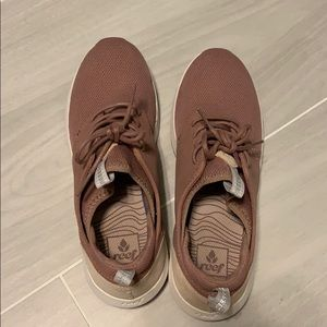Reef pink shoes